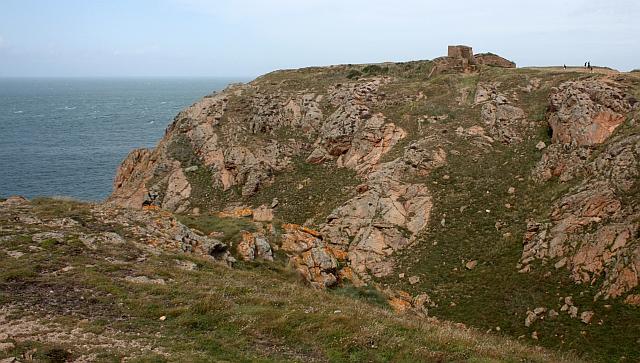 Gros Nez Castle natural defences