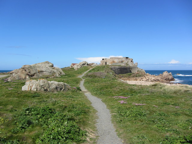 Path leading up to Grande Rocque Battery