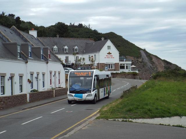 Bus arriving at Greve de Lecq