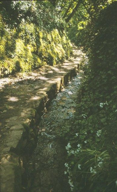 Moulin Huet water lane