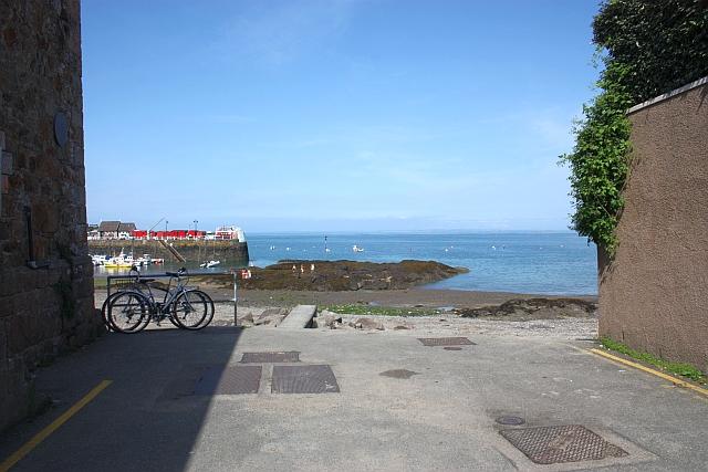Rozel harbour from Le Breque du Sud