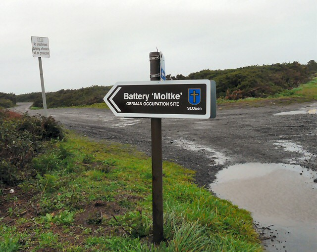 Signpost to Battery Molkte