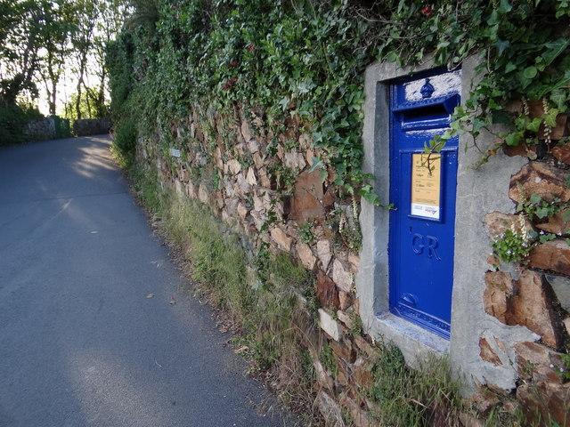 Blue Post Box on Rue du Tertre
