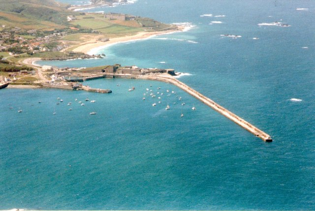Braye harbour: aerial 1998