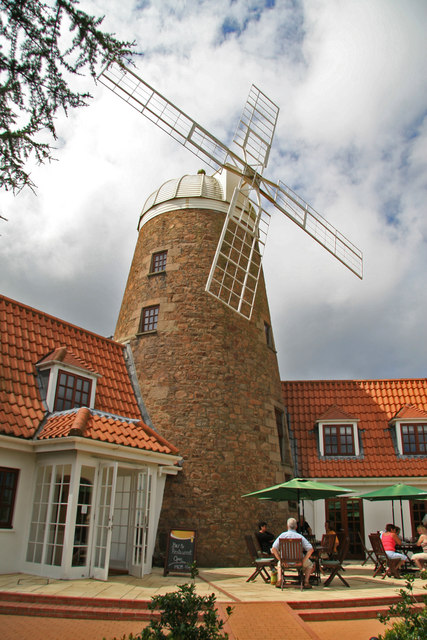 The Windmill, Les Chenolles