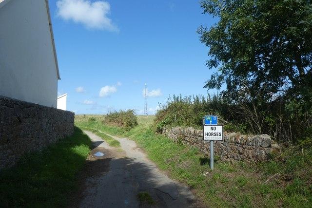 Mont Mado Lane