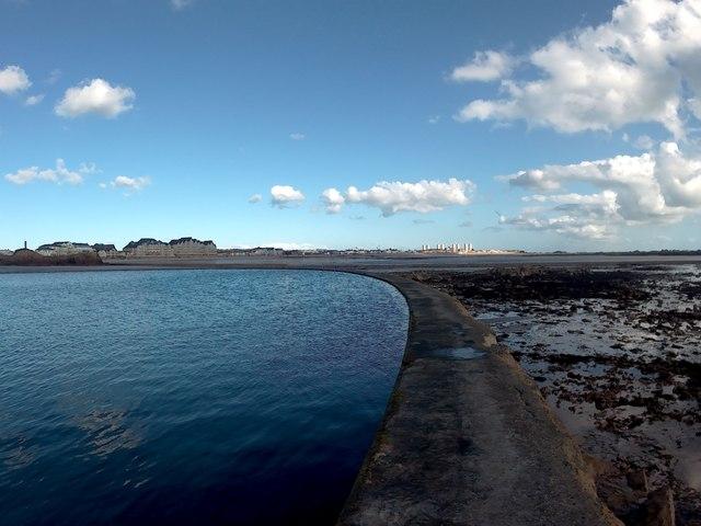 Havre des Pas Lido wall