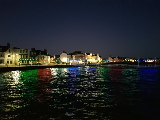 Havre des Pas at night