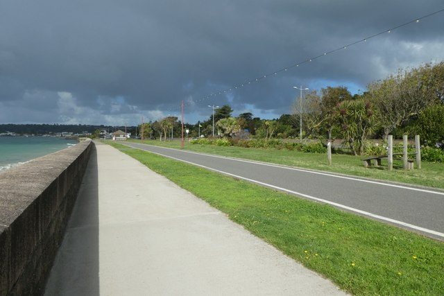 Cycle path to St. Aubin