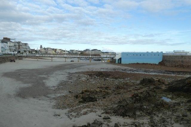 Havre des Pas Lido at low tide