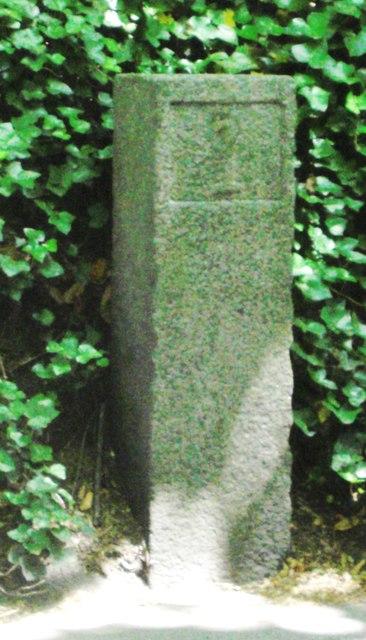 Old Milestone, De Beauvoir (Ancien jalon)